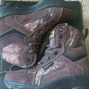 Gander Mountain Shoes - NWT Girls' (sz 2) Thinsulate/Waterpeoof Boots